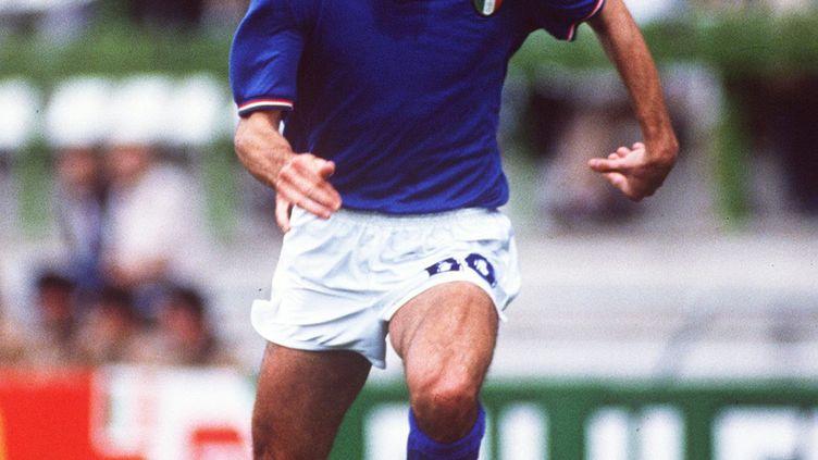 Le joueur de football italien Paolo Rossi lors d'un match contre la Pologne, au Mondial 1982, à Barcelone (Espagne). (OMEGA SABATTINI / AFP)