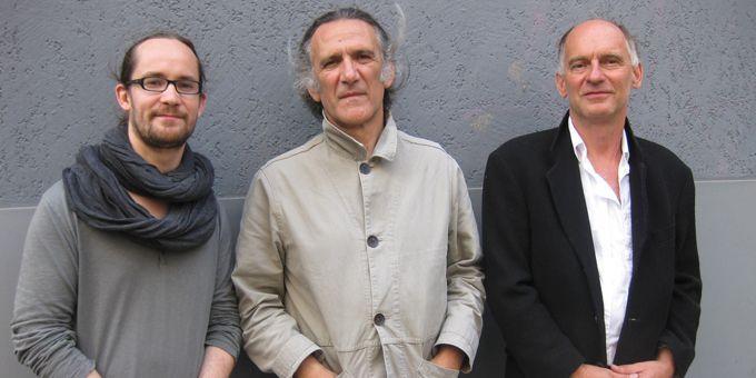 Emile Parisien (saxophone), Jean-Paul Céléa (contrebasse) et Wolfgang Reisinger (batterie)  (M.P.)