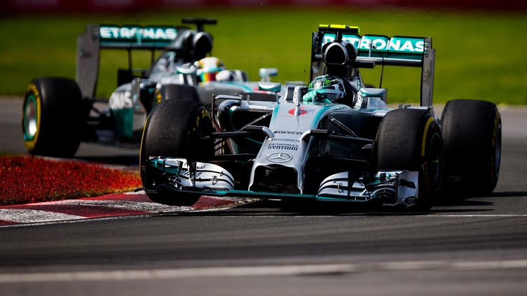 Rosberg devant Hamilton (VLADIMIR RYS PHOTOGRAPHY / GETTY IMAGES NORTH AMERICA)
