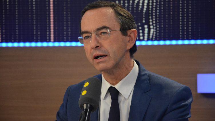 Bruno Retailleau, président du groupe Les Républicains au Sénat sur franceinfo, le 28 novembre 2016. (JEAN-CHRISTOPHE BOURDILLAT / RADIOFRANCE)