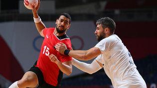 La France dispute sa demi-finale du tournoi olympique face à l'Égypte, le 5 août 2021 à Tokyo. (FRANCK FIFE / AFP)