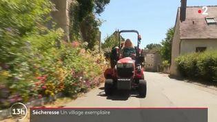 Un village de l'Indre innove pour préserver ses espaces verts de la sécheresse. (FRANCE 2)