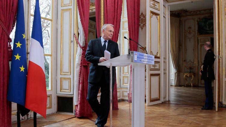 Le Premier ministre Jean-Marc Ayrault, le 20 janvier 2014, à Matignon (Paris). (JACQUES DEMARTHON / AFP)