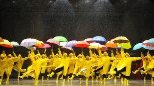 Singin'in the Rain, comédie musicale mise en scène par Robert Carsen, costumes d'Anthony Powell, Théâtre du Châtelet, Paris, 2015 – 2017.  (Marie-Noëlle Robert / Théâtre du Châtelet)