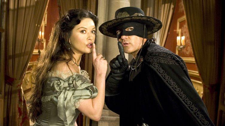 "Antonio Banderas et Catherine Zeta-Jones dans ""La légende de Zorro"" en 2005 (RONALDGRANT/MARY EVANS/SIPA)"