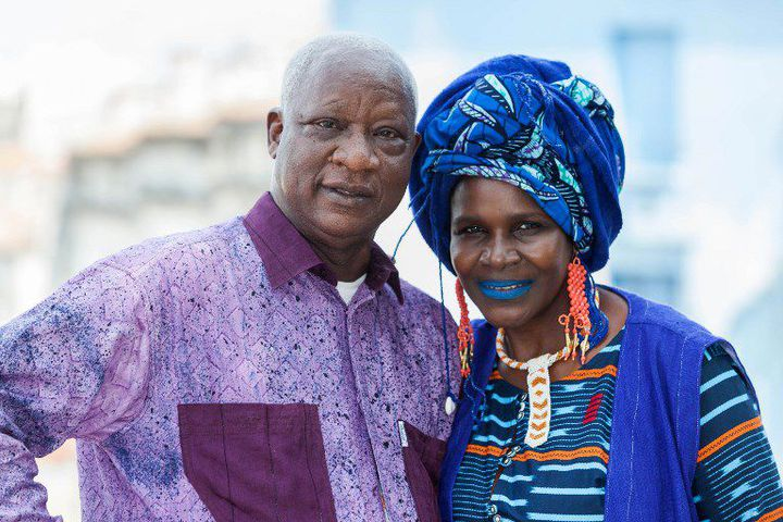 Les comédiens Naky Sy Savané (à droite) et Bamba Bakary lors du Festival d'Angoulême en août 2017 qui proposait une rétrospective du cinéma ivoirien, à travers trois films dont «Bal Poussière» réalisé par Henri Duparc. (AFP)