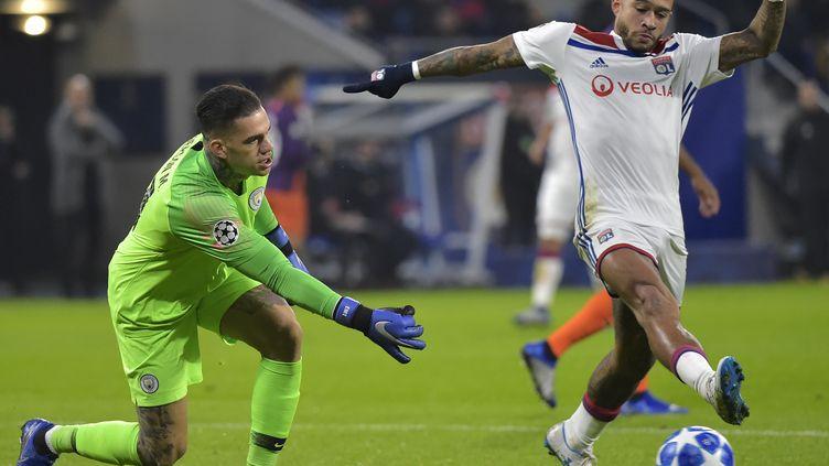 Memphis Depay va retrouver Ederson ce samedi (ROMAIN LAFABREGUE / AFP)
