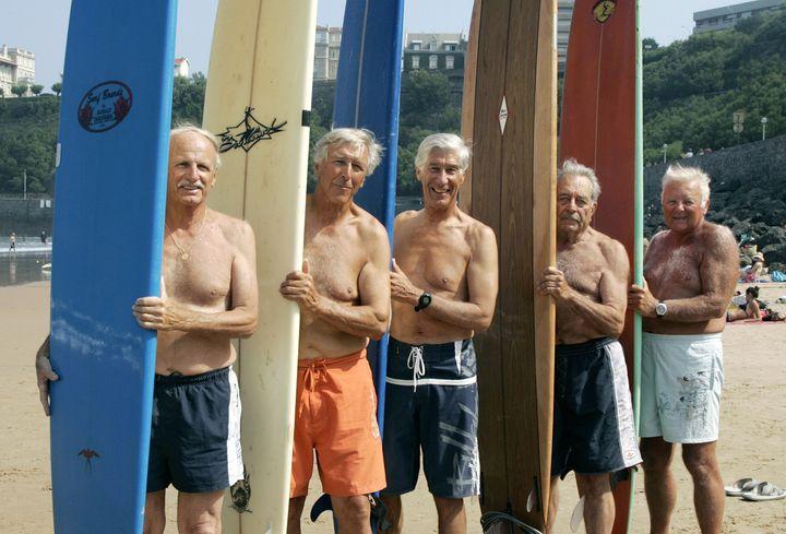 Les Tontons surfeurs (JEAN-PIERRE MULLER / AFP)