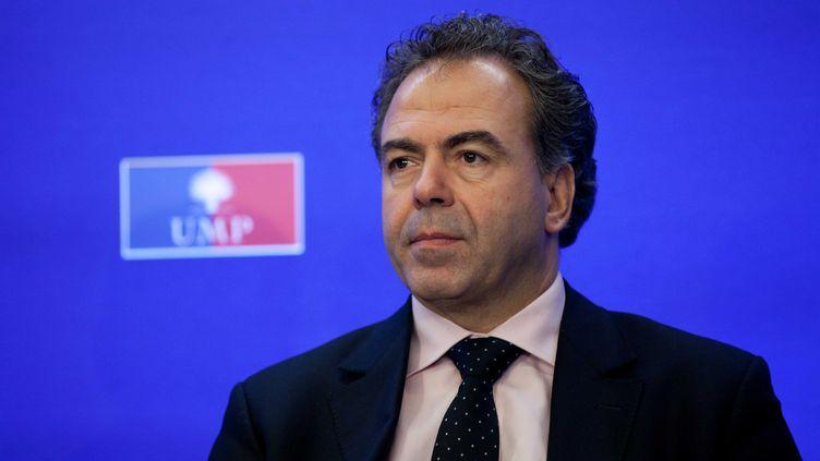 Luc Chatel, UMP,devant la presse le 21 novembre 2012 (PRM /S IPA)