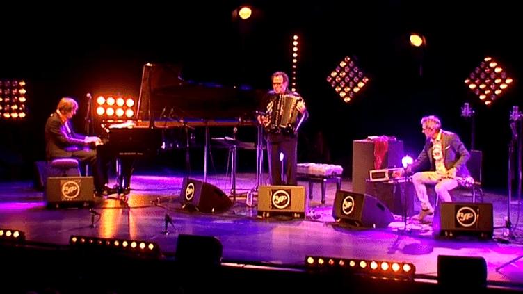 Jan Lundgren, Richard Galliano et Paolo Fresu sur la scène de Nancy Jazz Pulsations.  (France 3 / Culturebox)