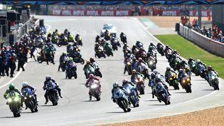 Les pilotes lors de l'édition 2018 des 24 Heures du Mans Motos, le 21 avril 2018.  (JEAN-FRANCOIS MONIER / AFP)