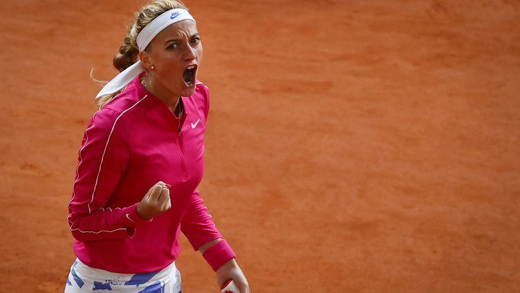Petra Kvitova s'est qualifiée pour les quarts de finale, 8 ans après ses derniers à Roland-Garros (THOMAS SAMSON / AFP)