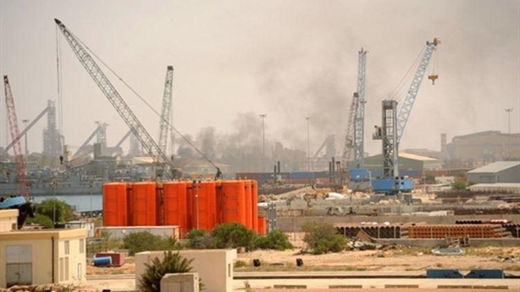 Le port assiégé de Misrata (ouest de Tripoli), le 2 mai 2011 (AFP/Christophe Simon)