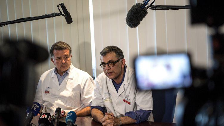 Yazdan Yazdanpanah, chef du service des maladies infectieuses à l'hôpital Bichat à Paris, lors d'une conférence de presse le 29 janvier 2020. (CHRISTOPHE ARCHAMBAULT / AFP)