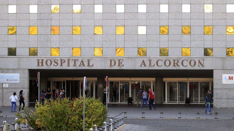 (L'infirmière a été admise dans cet hôpital de Madrid lundi © Maxppp)