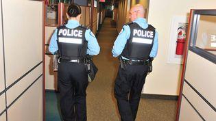 Depuis quelques jours, les Québécois découvrent avec stupéfaction les méthodes plutôt invasives de leur police (illustration) (MAXPPP)