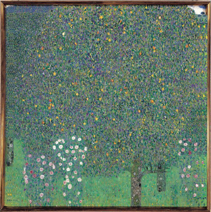 """Détail de """"Rosiers sous les arbres"""", oeuvre de Gustav Klimt, 1905, musée d'Orsay, Paris, 23 septembre 2016 (LEEMAGE VIA AFP)"""
