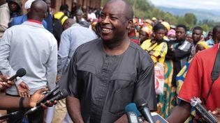 Le général Evariste Ndayishimiye s'exprimant devant les médias après avoir voté pour la présidentielle du 20 mai 2020. (AFP)