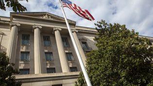 La façade du siège du Département américain de la Justice à Washington. (MICHAEL ROWLEY / MOMENT OPEN)