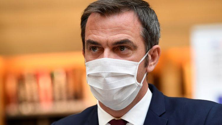 Le ministre de la Santé, Olivier Véran, le 21 juillet 2020 à Paris. (BERTRAND GUAY / AFP)