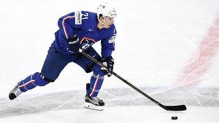 Antoine Roussel (ici en mai 2017) tentera d'emmener l'équipe de France à ses premiers Jeux d'hiver depuis dix-neuf ans. (FRANCK FIFE / AFP)