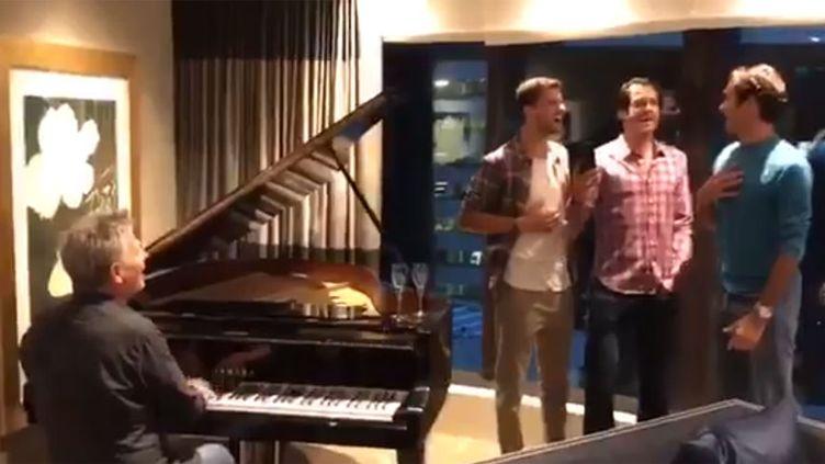 Le trio Grigor Dimitrov, Tommy Haas, Roger Federer pousse la chansonnette