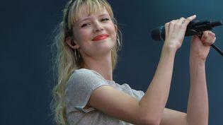 Angèle, en concert en juillet dernier aux Vieilles Charrues. (HUGO MARIE / EPA)