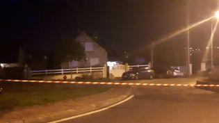 Perquisition à Limay (Yvelines) dans le cadre de l'arrestation par la police écossaise d'un homme présenté comme étant Xavier Dupont de Ligonnès. (GAËLE JOLY / RADIO FRANCE)