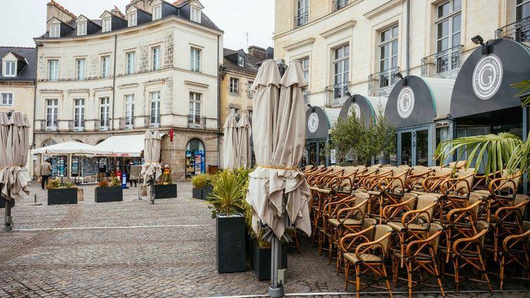 Une terrasse à Vannes (Morbihan), en octobre 2020. (MATHIEU MENARD / HANS LUCAS / AFP)