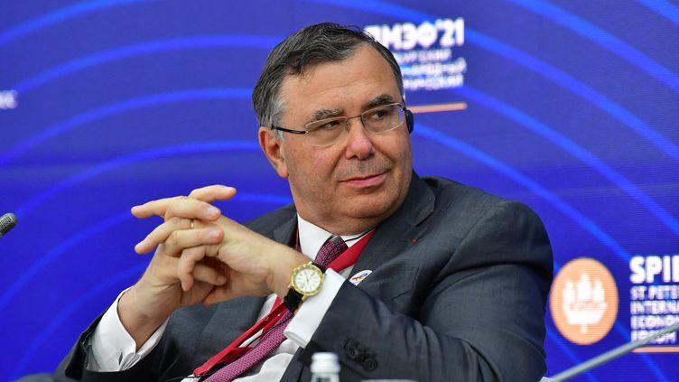 Patrick Pouyanné, PDG du groupe TotalEnergie, lors du Forum économique international de Saint-Pétersbourg le 3 juin 2021. (ALEXEY MAISHEV / SPUTNIK)