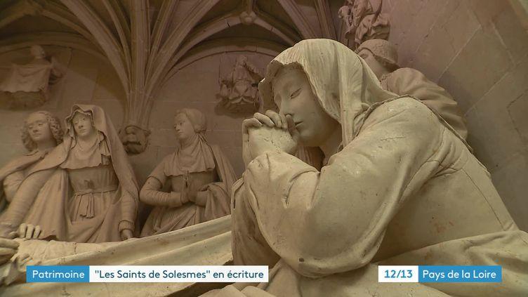 """Détail de l'ensemble de sculptures """"Les Saints de Solesmes"""", Abbaye de Solesmes, Sarthe (France 3 Pays de la Loire)"""