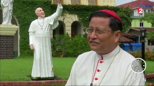 Birmanie: une première sous tension pour le pape François