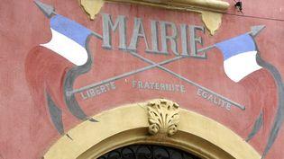 Faça de la mairie de Carla-Bayle (Ariège). (PASCAL PAVANI / AFP)