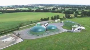 Un collectif d'agriculteur a décidé de se lancer dans la production de biométhane afin d'approvisionner les camions des entreprises voisines. (France 2)