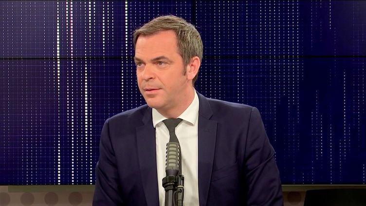 """Olivier Véran,ministre de la Santé était l'invité du """"8h30franceinfo"""", mercredi 13 octobre 2021. (FRANCEINFO / RADIOFRANCE)"""