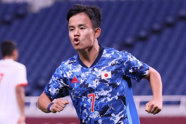 Takefusa Kubo célèbre son but face au Mexique, le 25 juillet, à Saitama. (AYAKA NAITO / AFP)