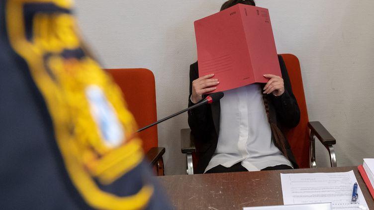 Le procès deJennifer Wenisch,Accusée d'avoir laissé mourir de soif une fillette yazidie réduite en esclavage en Irak, avait débuté en avril 2019 devant un tribunal de Munich, en Allemagne. (PETER KNEFFEL / DPA)