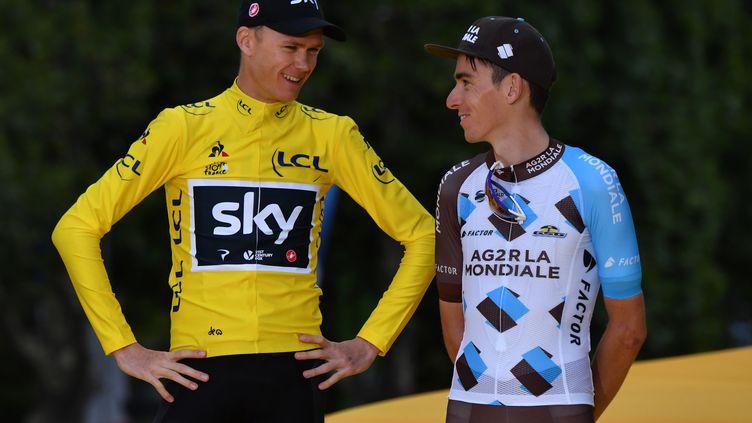 Chris Froome et Romain Bardet lors du Tour de France 2017. (PHILIPPE LOPEZ / AFP)