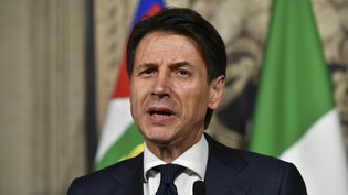 Giuseppe Conte lors d'une conférence de presse au palais présidentiel du Quirinal, à Rome (Italie), le 27 mai 2018. (VINCENZO PINTO / AFP)