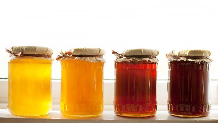 (Des nuances ambrées en fonction des pollens butinés © fotolia)