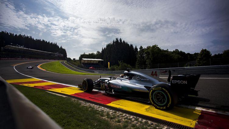 Lewis Hamilton a été le plus rapide lors de la 2e séance d'essais libres du GP de Belgique.  (XAVIER BONILLA / NURPHOTO)