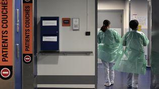Des soignants de l'hopital de Strasbourg,image d'illustration. (FREDERICK FLORIN / AFP)