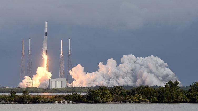 Le landement d'unefusée Falcon 9 de SpaceX, le 24 janvier 2021, àcap Canaveral, en Floride. (PAUL HENNESSY / NURPHOTO)