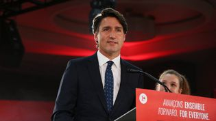 Justin Trudeau prononce un discours après sa victoire aux législatives canadiennes, le 20 septembre 2021, à Montréal. (DAVE CHAN / GETTY IMAGES NORTH AMERICA / AFP)