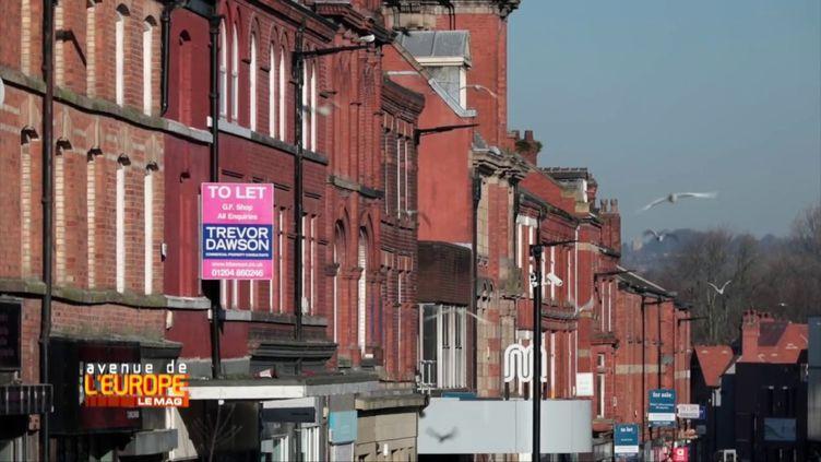 """Avenue de l'Europe. A Wigan, dans le nord de l'Angleterre : """"Tous ceux qui ont voté pour le Brexit sont frustrés. On nous a trahis"""" (FRANCE 3 / FRANCETV INFO)"""