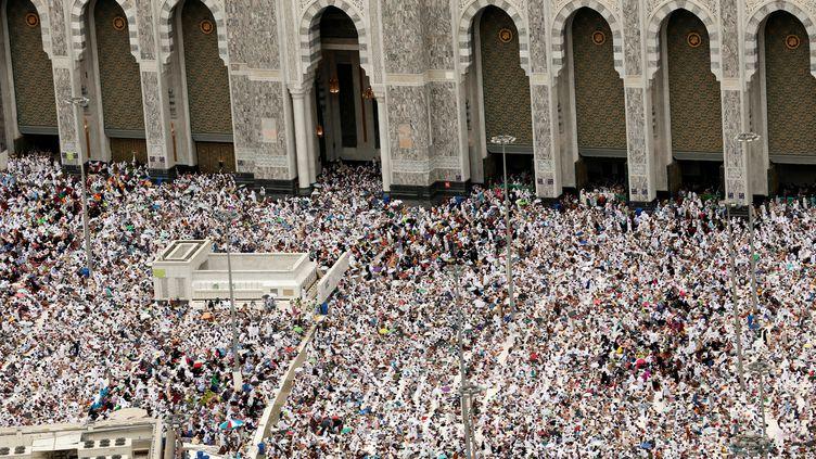 A la veille du début du grand pèlerinage, la foule est déjà dense à La Mecque où les autorités saoudiennes ont pris de nouvelles mesuresde sécurité (AHMED JADALLAH / REUTERS / X90013)