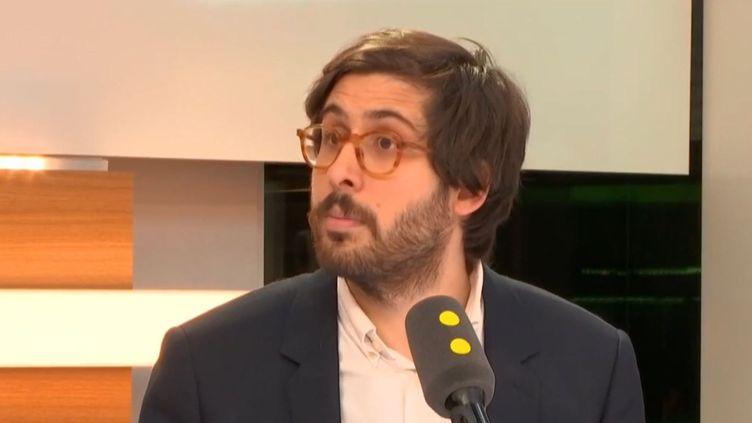 Le journaliste de Marianne Étienne Girard sur franceinfo vendredi 16 février. (RADIO FRANCE)