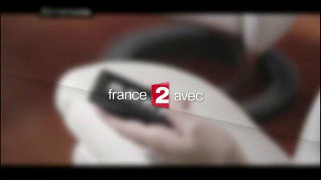 """VIDEO. Rebaptisé """"Vu"""", le """"Zapping"""" revit sur France 2 et étrille Bolloré"""