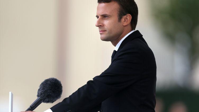 Le président français Emmanuel Macron tient un discours d'hommage pour le premier anniversaire de l'attentat terroriste de Saint-Etienne-du-Rouvray (Seine-Maritime), le 26 juillet 2017. (CHARLY TRIBALLEAU / POOL)