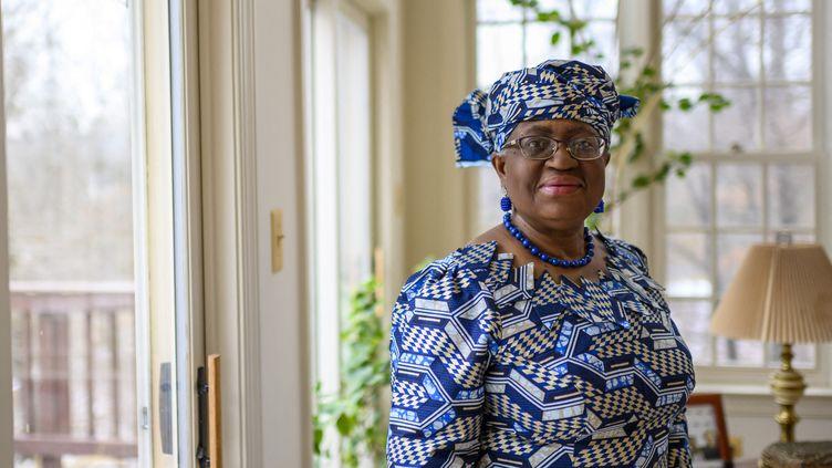 Ngozi Okonjo-Iweala dans sa résidence de Potomac, dans le Maryland (côte est des Etats-Unis), le 15 février 2021. (ERIC BARADAT / AFP)